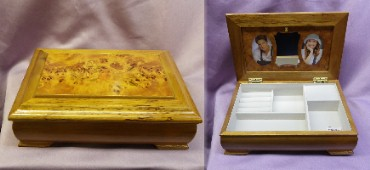 Antique Burl Wood Oak Floral Inlaid Musical Jewelry Box with 2 Photo Frames #40811